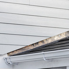 Pitch roof side lead flashing