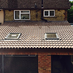 Extension roof with Velux windows