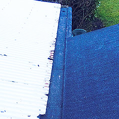 flat roof with box gutter